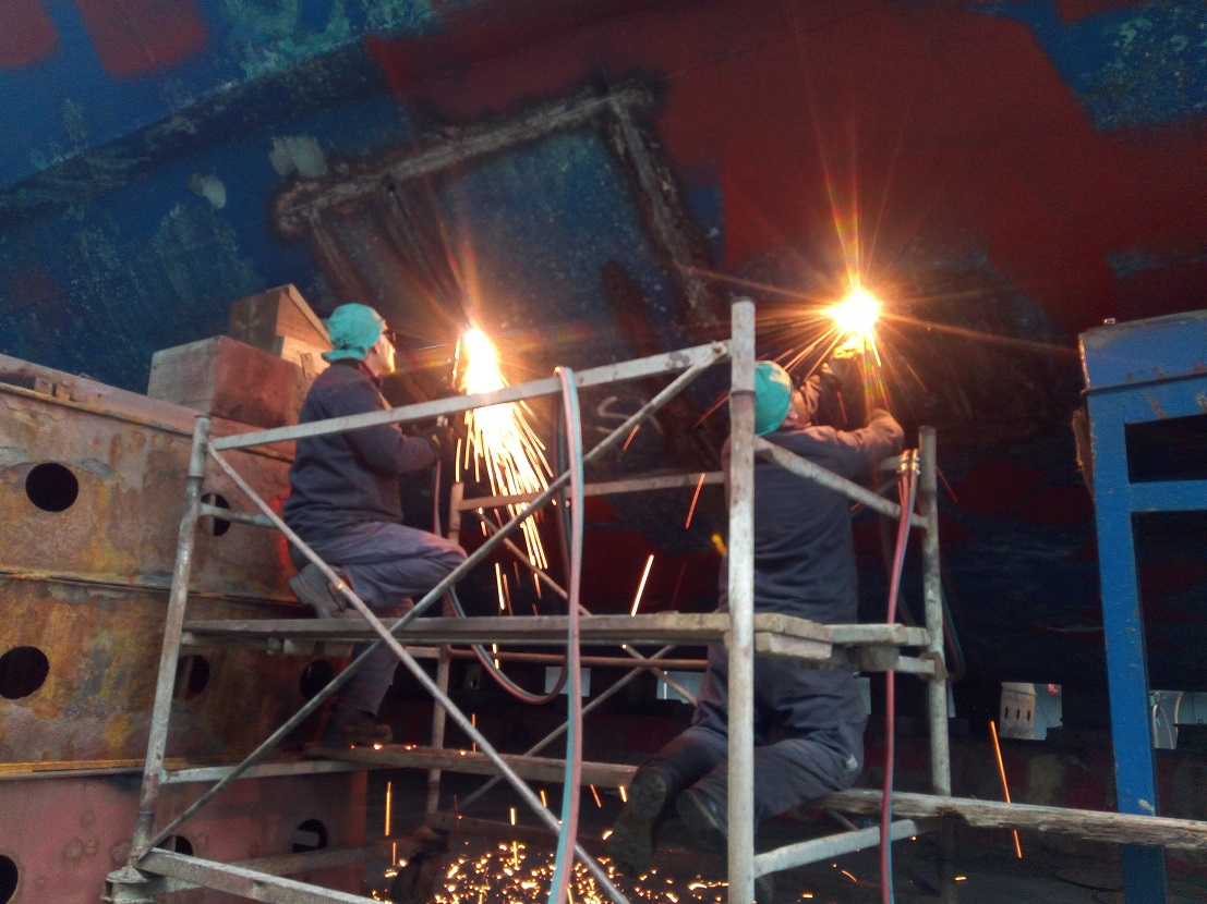 Allestimento riparazione e manutenzione Navi, Yacht e MaxiYacht